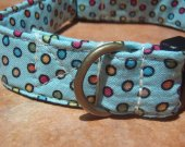 The Dot-O-Matic - - Retro Vintage Fabric Dot Organic Cotton Dog Collar SIZE MEDIUM - - All Antique Brass Hardware