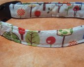 Forest Friends - - Retro Fabric Forest Organic Cotton CAT Collar SIZE SMALL BREAKAWAY - - All Antique Brass Hardware