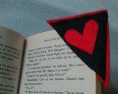 2 redblack hearts feltbookmarks