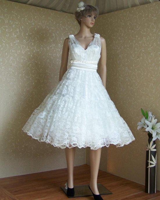 Belle Retro Style Wedding Dress Beautiful Ivory Lace