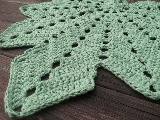 Modern Leaf Afghan | Free Crochet Patterns